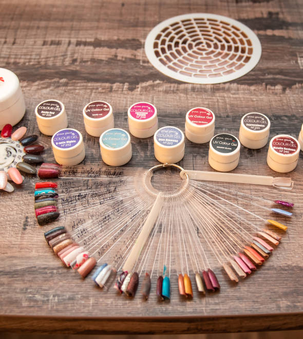 Pina Parie, professionelle Nail & Beautyprodukte